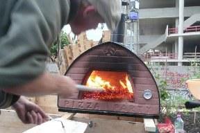 aktuelles-aktuelles_2013-1_mobiler_pizzaofen.jpg