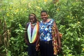 aktuelles-aktuelles_2016-carolyne-nakakeeto-and-makarena_vice-chairman-of-remitagu-in-the-remitagu-slow-food-garden_c_cory_whitney_288.jpg