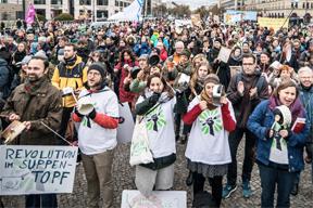aktuelles-aktuelles_2018-berlin-protest-2-288.jpg
