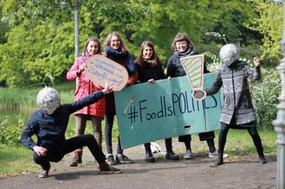 Essen ist politisch: Slow Food Youth Akademie zu Besuch bei der EU