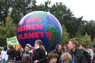 Globaler Klimastreik enormer Erfolg - Klimaschutzpaket lässt zu wünschen übrig