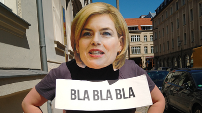 Protest in Berlin: Mit Klöckner-Masken für eine zukunftsfähige EU-Agrarreform
