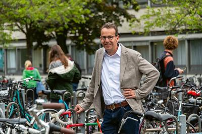 """""""Nicht alles dem Individuum aufhalsen"""" - Interview mit Prof. Achim Spiller"""