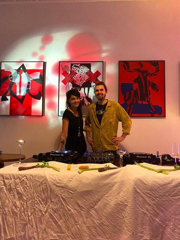 Annett Gapstream und Maltesar (c) Salon Mona und Hans.jpg