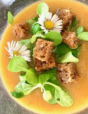 Salat Brotcroutons (c) Michaela Wendel.jpeg