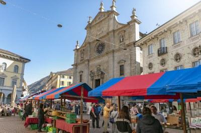 Markt_Bellinzona, Bellinzonese e Alto Ticino Turismo (c) Luca Crivelli.jpg