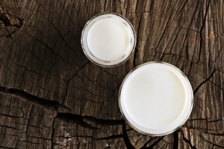Milchglas (c) Alberto Peroli.jpg